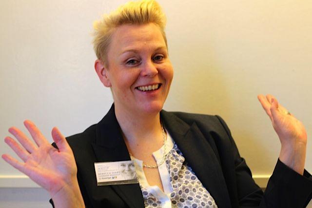RebeccaSaari, Sälj & kundrelationer
